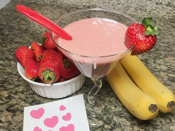 strawberry whip with strawberries and bananas